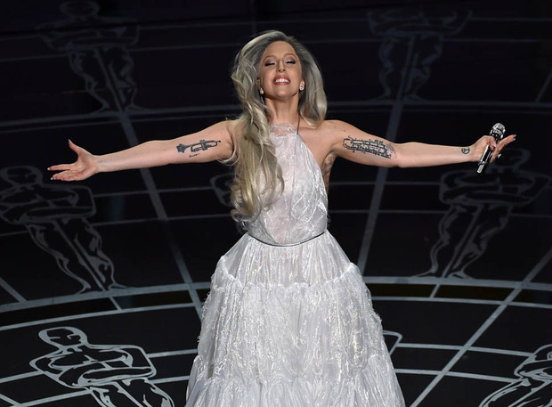 gaga-julie-oscars-23feb15-16